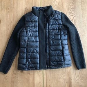Women's puffer jacket with knit sleeves (black)